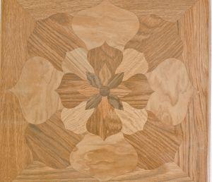 поверхность журнального стола из керамической плитки с рисунком
